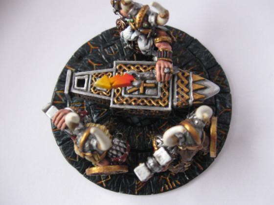 Runenmeister mit Amboß