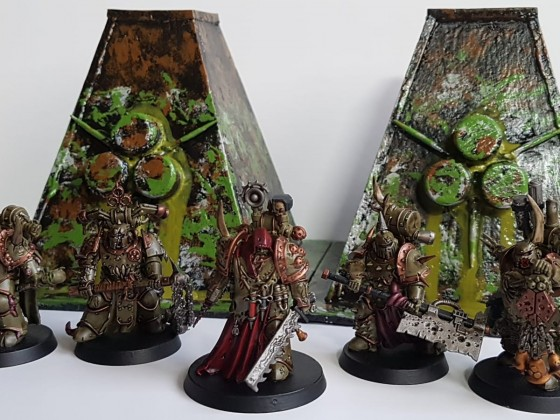 Plague Surgeon mit Plague Marines und Nurgle Tower