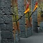 Säulen mit Fackeln