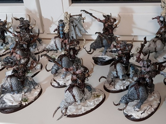 Beastclaw Raiders - Mournfangs