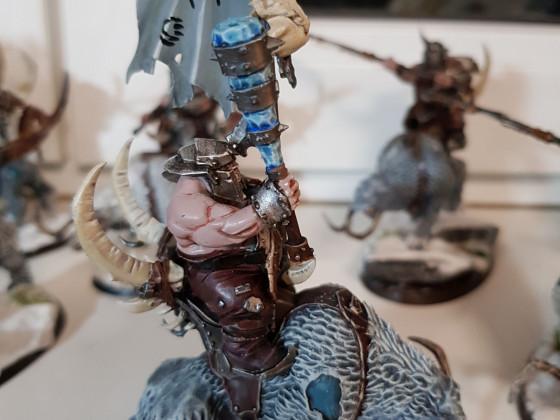 Beastclaw Raiders - Mournfangs