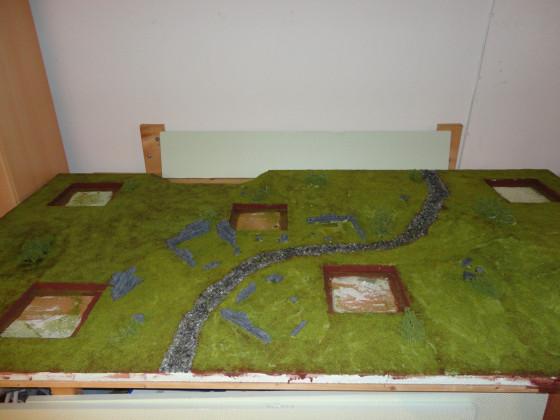 Haalis erstes Gelände: Gras und Büsche