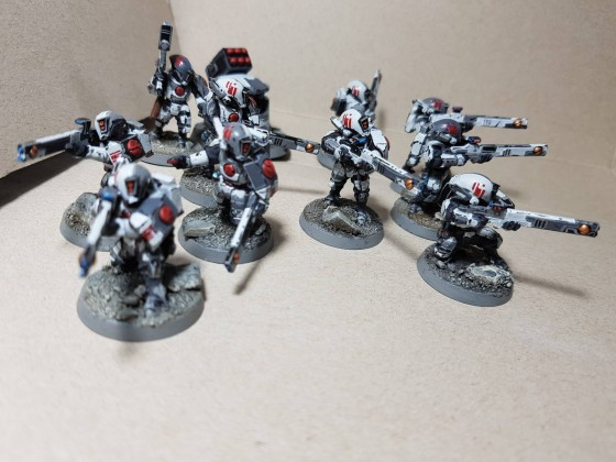 Die ersten 10 Fire Warriors