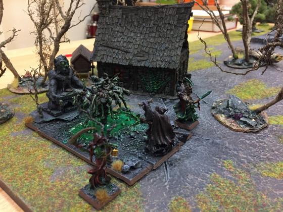 Am Rand des Sichelberges wird ein dunkles Ritual von den Schwarzen Priestern vollzogen. (Lade der verdammten Seelen)